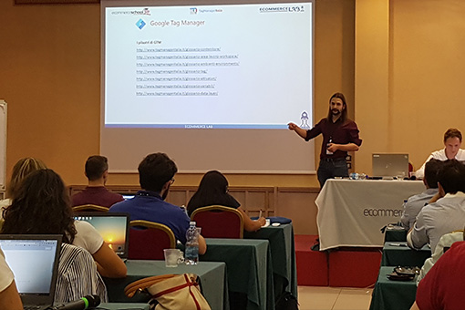Matteo with the slides at the E-commerce School 2019
